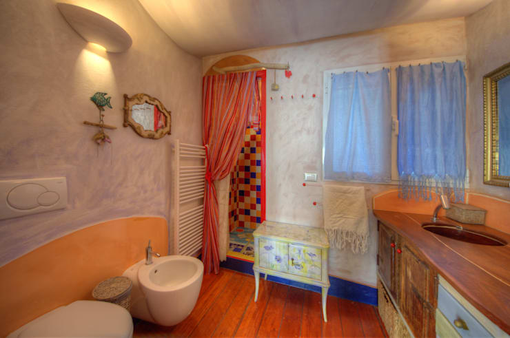 Bathroom by Emilio Rescigno - Fotografia Immobiliare