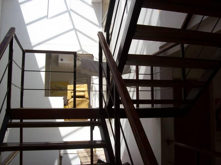 Escalera y Puente:  de estilo  por concepturbano,
