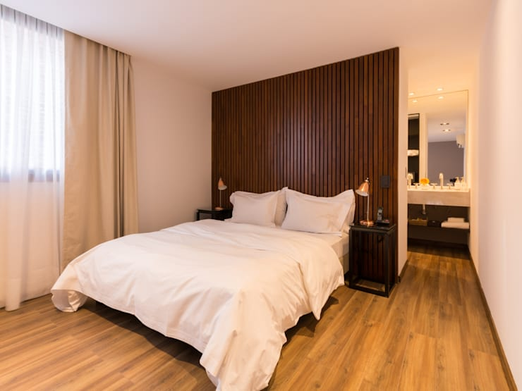 Hotel Azur - Reforma y nuevas habitaciones: Hoteles de estilo  por CAPÓ estudio,