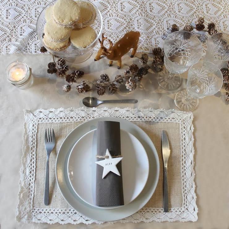 Comedores de estilo moderno por Nina Designs + Parties