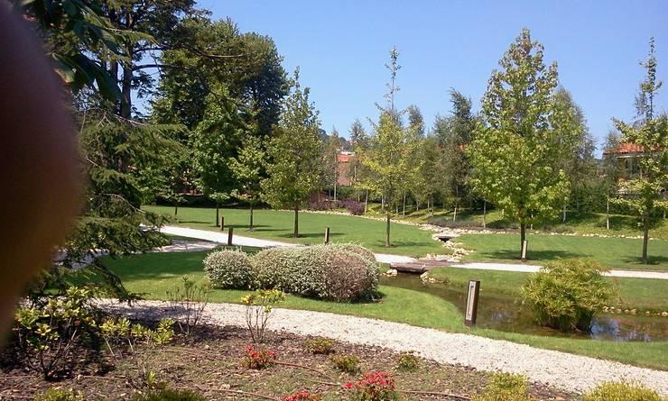Jardin Historico Gijón: Jardines de estilo moderno de GreenerLand. Arquitectura Paisajista y Tematización