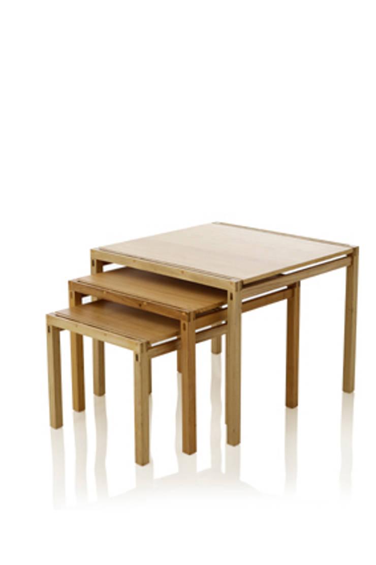 Mesa lateral FRIS ninho: Sala de estar  por LLUSSÁ Mobiliário de design