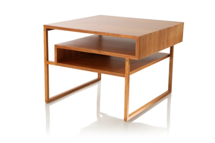 Mesa lateral MINIM: Sala de estar  por LLUSSÁ Mobiliário de design