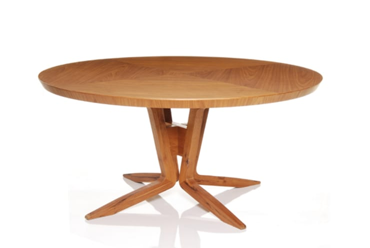 Mesa de jantar ILLA: Sala de jantar  por LLUSSÁ Mobiliário de design
