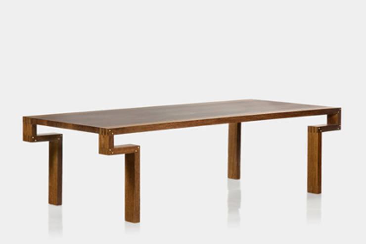 Mesa BILLAR: Sala de jantar  por LLUSSÁ Mobiliário de design