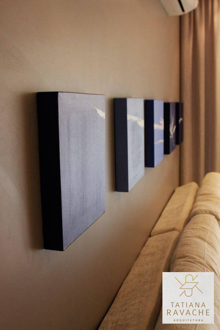 Sala de Estar: Salas de estar  por Tatiana Ravache Arquitetura,