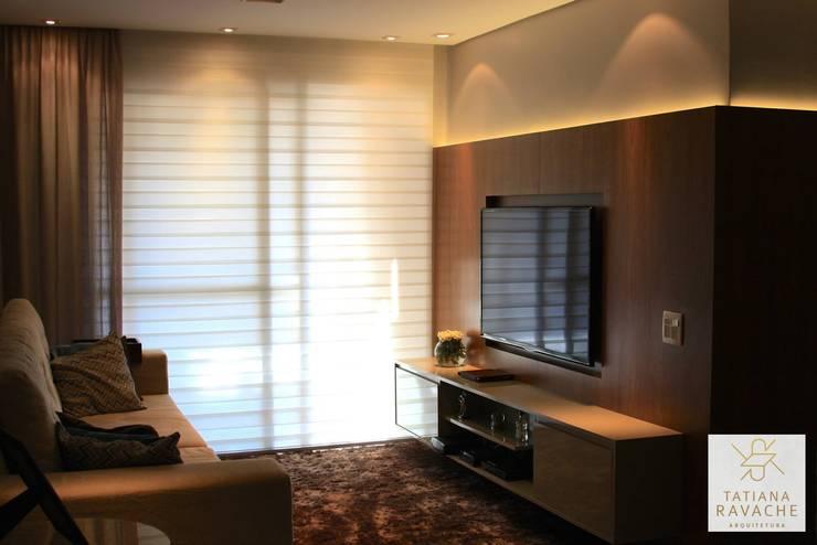 Sala de Estar: Salas de estar modernas por Tatiana Ravache Arquitetura