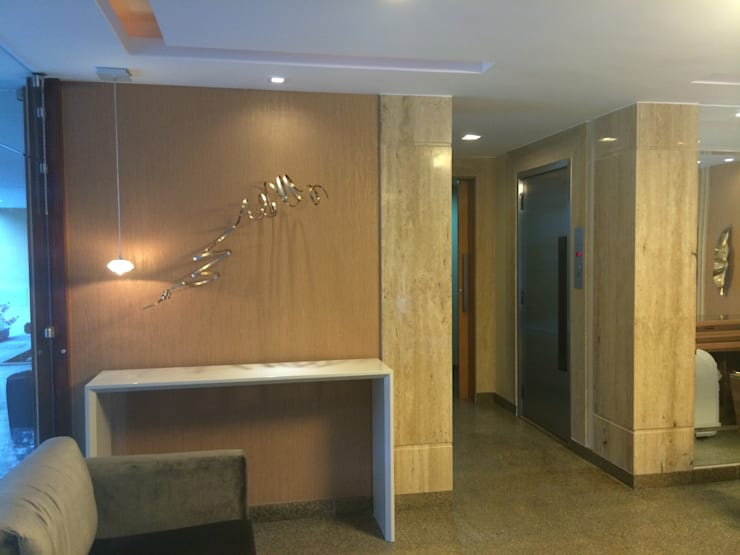 Portaria Cezanné – Icaraí – Niterói – RJ – 2014: Edifícios comerciais  por Catharina Quadros Arquitetura e Interiores