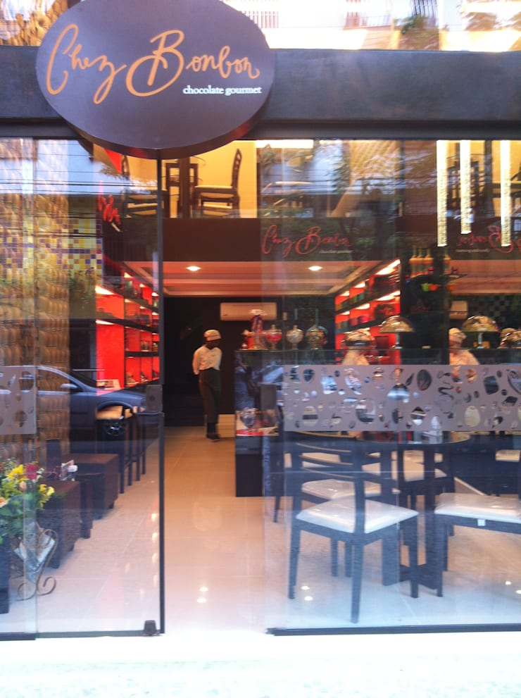 CAFETERIA E CHOCOLATERIA GOURMET: Espaços gastronômicos  por Catharina Quadros Arquitetura e Interiores