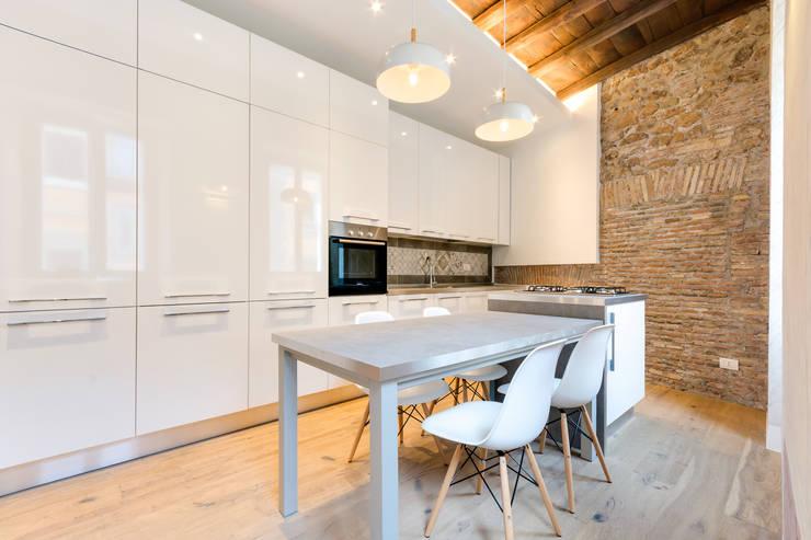 Projekty,  Kuchnia zaprojektowane przez SERENA ROMANO' ARCHITETTO
