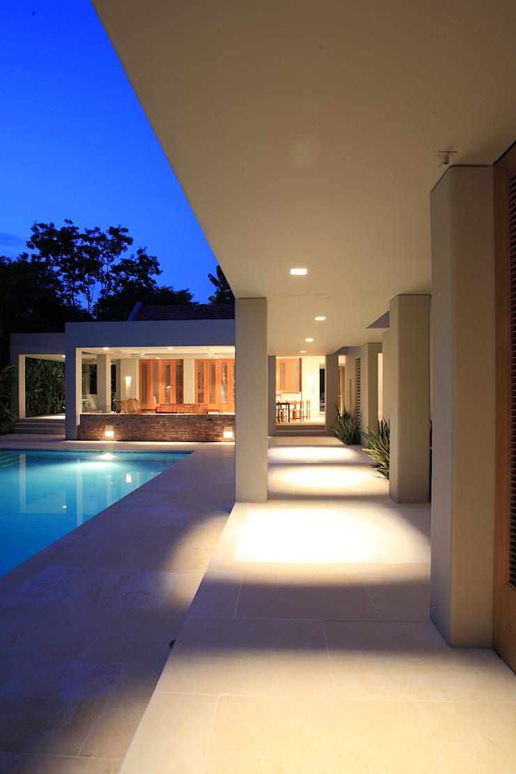 Casa Peñaliza:  de estilo  por Ku Arquitectos