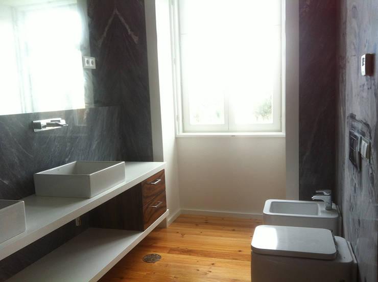 interior: Casas de banho modernas por HUGO MONTE | ARQUITECTO