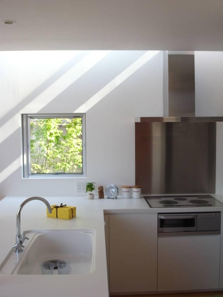 House in Yamatokoriyama: Mimasis Design/ミメイシス デザインが手掛けたキッチンです。