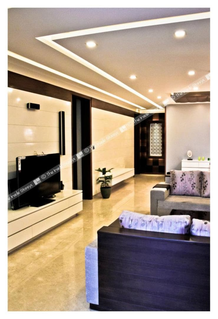 Park Titanium, Park Street, Pune:  Corridor & hallway by The Inside Storeys