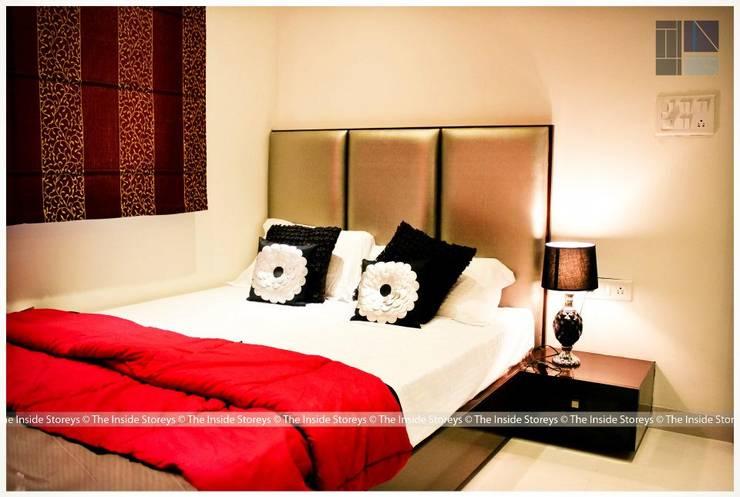 Moze Builders, Sample Flat:  Bedroom by The Inside Storeys
