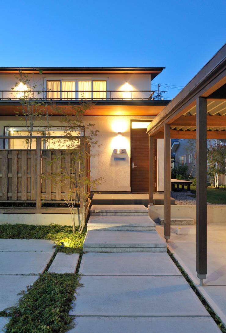 Patina House: 株式会社シーンデザイン建築設計事務所が手掛けた家です。