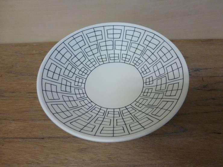 申つなぎ紋中鉢: 勝村顕飛が手掛けたキッチンです。,