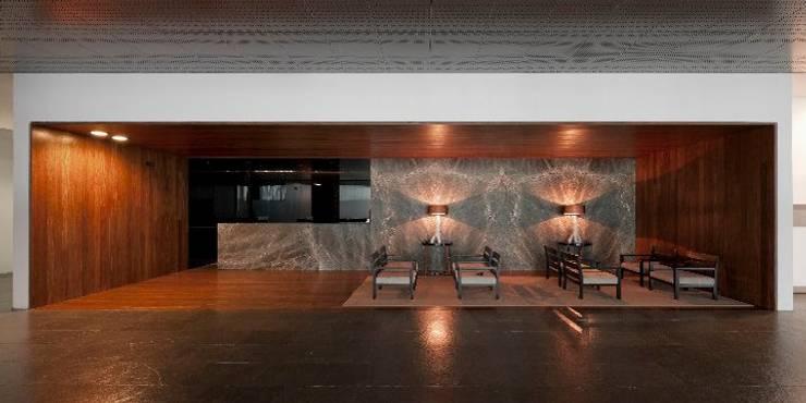 MitPenha: Salas de jantar  por Atelier fernando alves arquitecto l.da