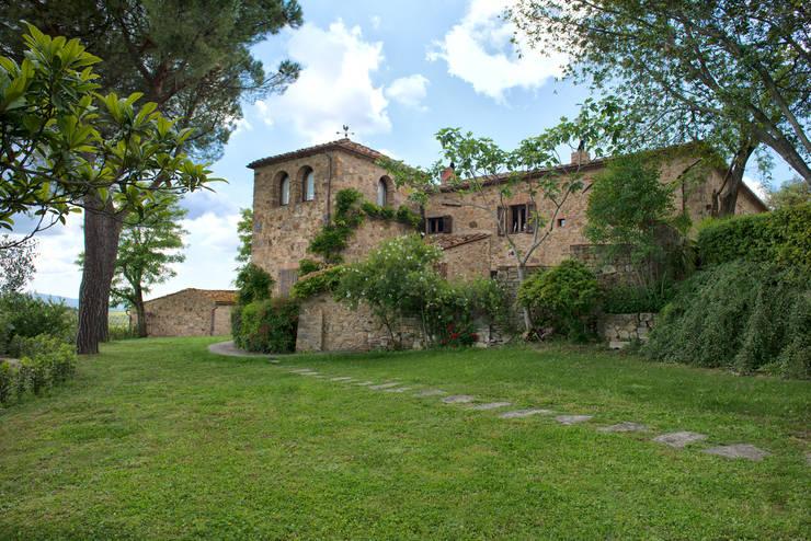Casas modernas por Andrea Fabrizi