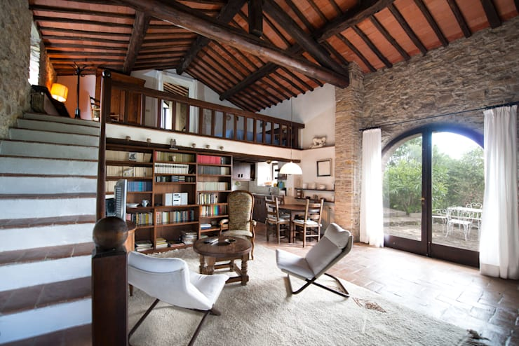 Realizzazioni: Sala da pranzo in stile in stile Moderno di Andrea Fabrizi