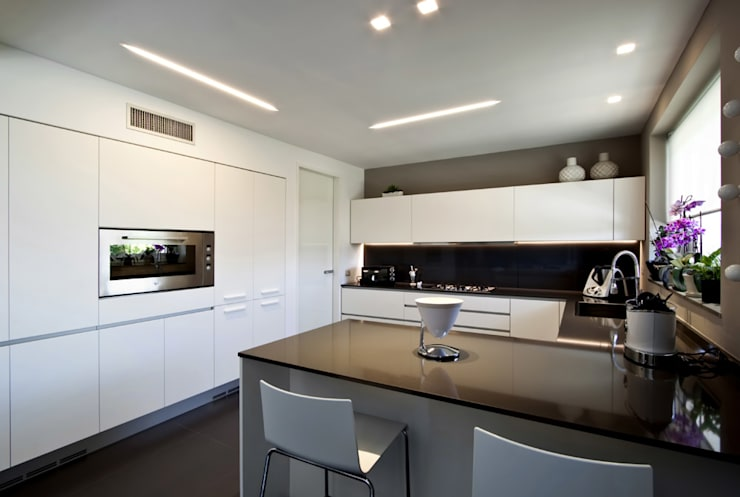Cocinas de estilo moderno de Vincenzo Leggio Architetto