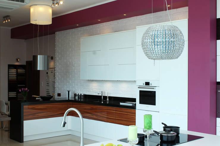 Modern Line, biała: styl , w kategorii Kuchnia zaprojektowany przez ITA Poland s.c.