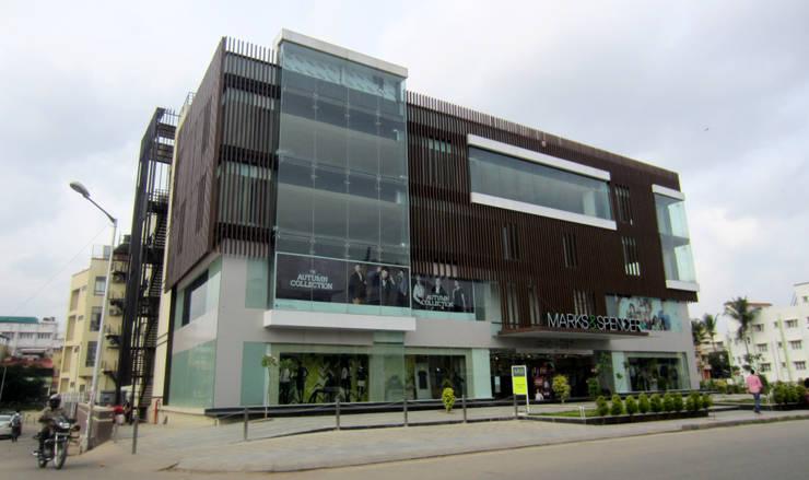 Commercial Complex at Koramangala, Bangalore:  Offices & stores by Parikshit Dalal Design + Architecture