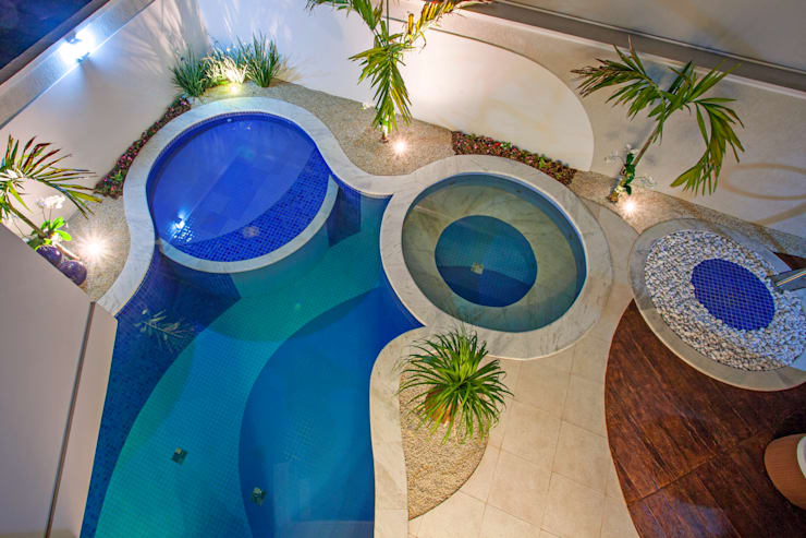 Piscinas de estilo moderno de Arquiteto Aquiles Nícolas Kílaris