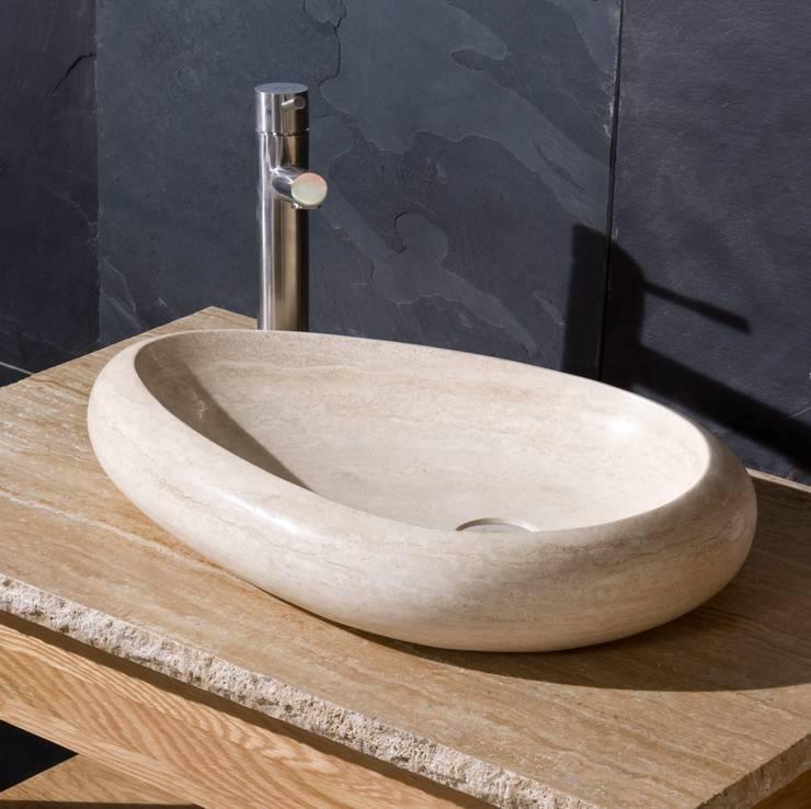 Stonearth Interiors Ltd: rustik tarz tarz Banyo