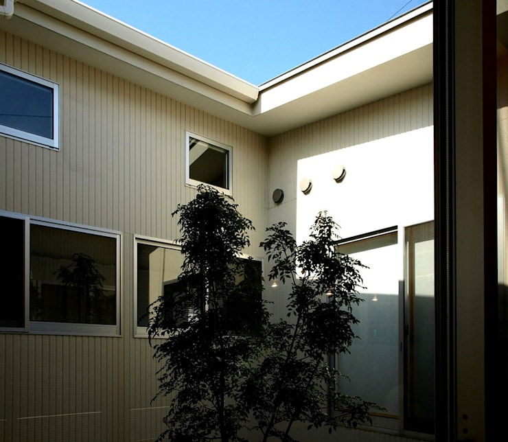 M-House: SO-DESIGN建築設計室が手掛けたテラス・ベランダです。,