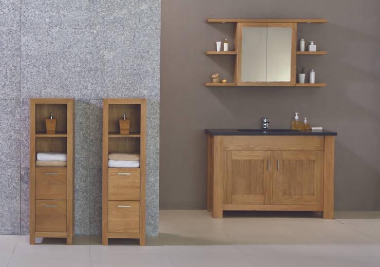 Oak Finesse :  Bathroom by Stonearth Interiors Ltd