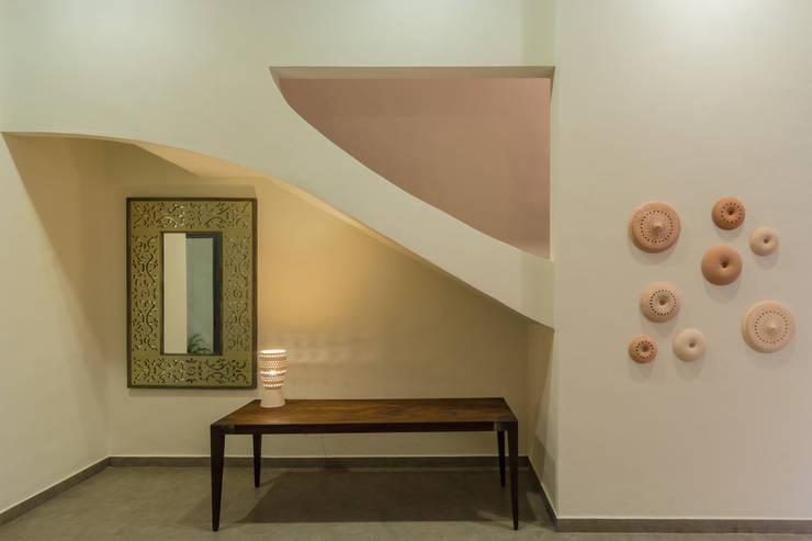 Walls by CERVERA SÁNCHEZ ARQUITECTOS