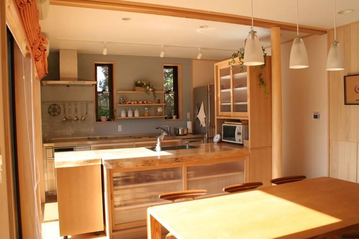オープンキッチン: 一級建築士事務所 さくら建築設計事務所が手掛けたキッチンです。