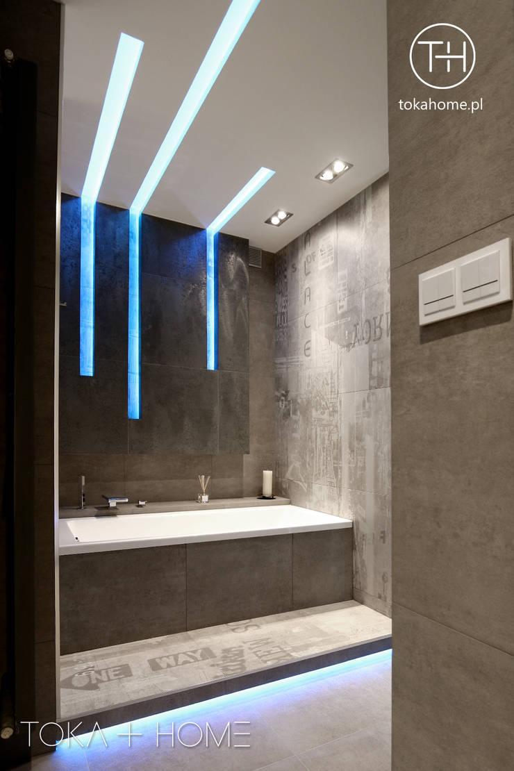 betonowa łazienka: styl , w kategorii Łazienka zaprojektowany przez TOKA + HOME