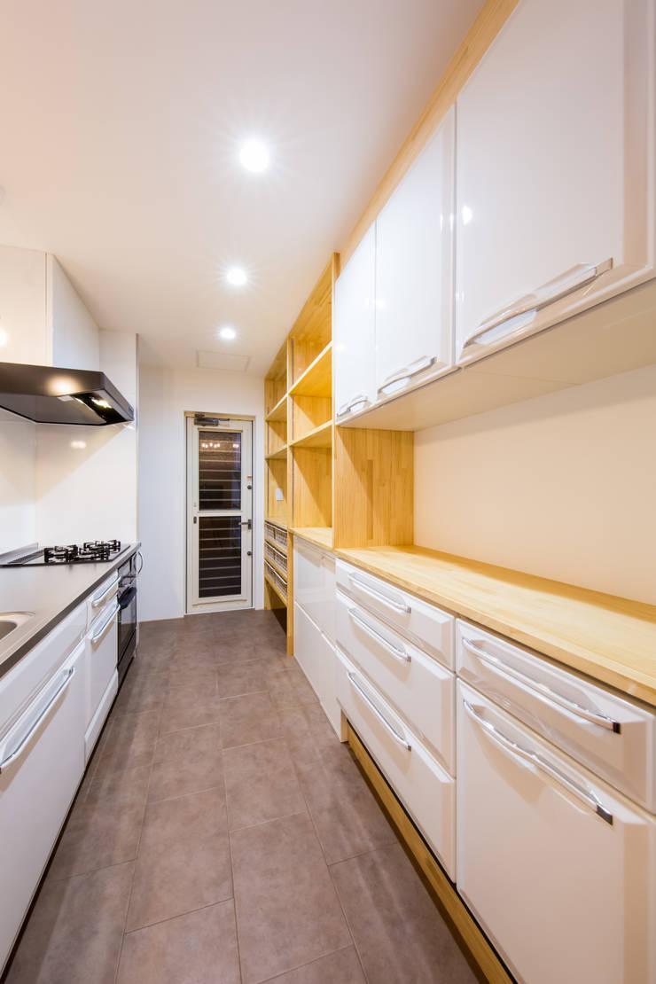 松原の家。: 株式会社ルティロワ 一級建築士事務所が手掛けたキッチンです。
