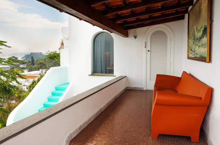 Balcon: Terrazas de estilo  de Carmé