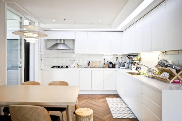 Dining room by 도노 디자인 스튜디오, Modern