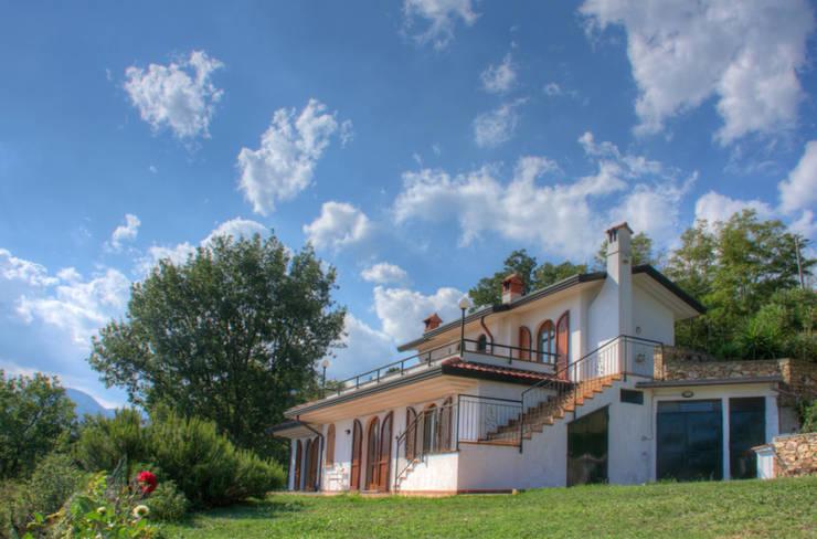 Maisons de style de style Moderne par Emilio Rescigno - Fotografia Immobiliare