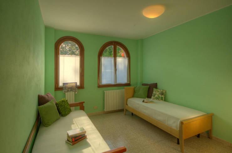 Chambre de style de style Moderne par Emilio Rescigno - Fotografia Immobiliare