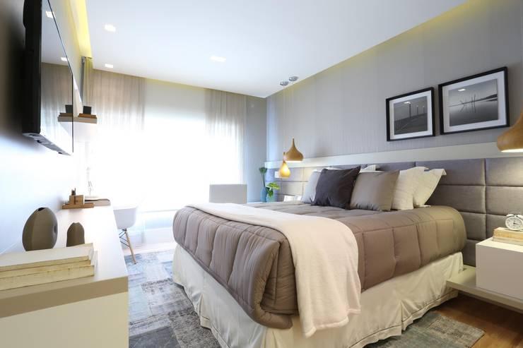 Minimalist bedroom by Léo Shehtman Arquitetura e Design Minimalist