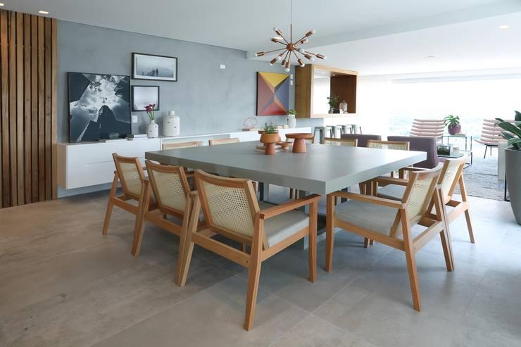 Comedores de estilo  por Léo Shehtman Arquitetura e Design