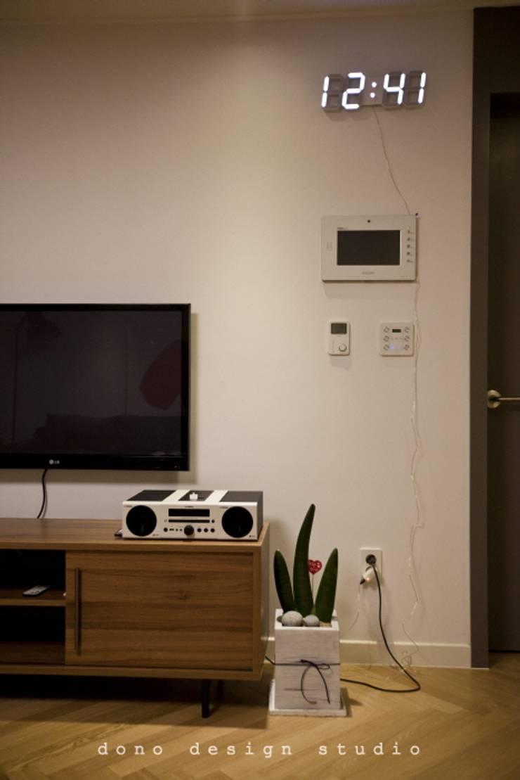 세종시 가락마을 84 m2 : 도노 디자인 스튜디오의  거실