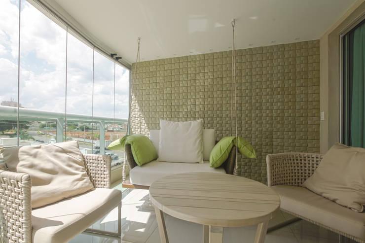 Varanda: Terraços  por Arina Araujo Arquitetura e Interiores