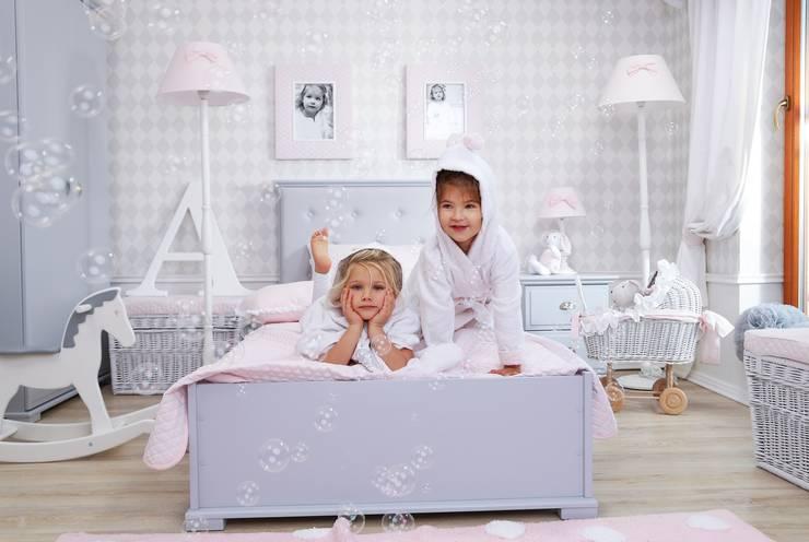 A gdy czas na sen...: styl , w kategorii Pokój dziecięcy zaprojektowany przez Caramella