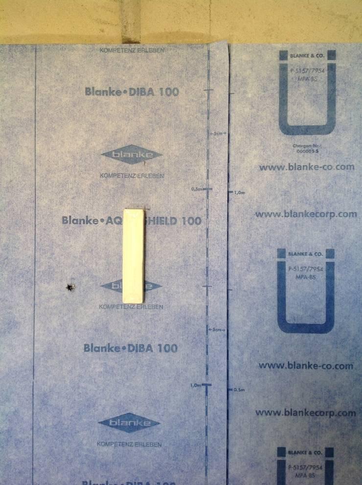 (1) Bathrooms/shower: Casa de banho  por Dynamic444