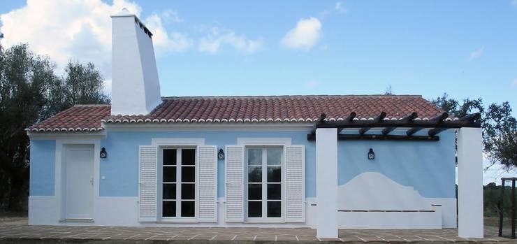 Casa de Campo Casa do Governador: Janelas e portas  por Deleme Janelas