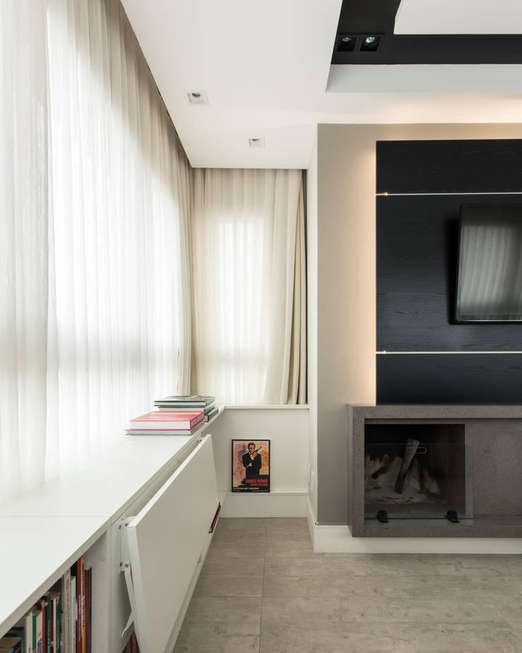 APARTAMENTO BAIRRO PETRÓPOLIS 1 Salas de estar modernas por DUDALOSS ARQUITETURA E DESIGN Moderno