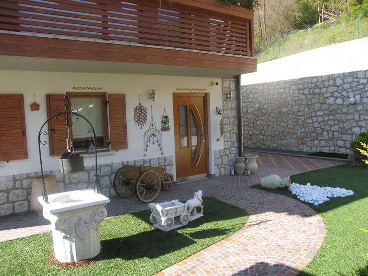 Casas de estilo  por STUDIO ABACUS di BOTTEON arch. PIER PAOLO