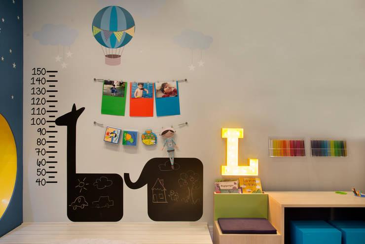 Para desenhar: Centros de exposições  por Fina Stampa