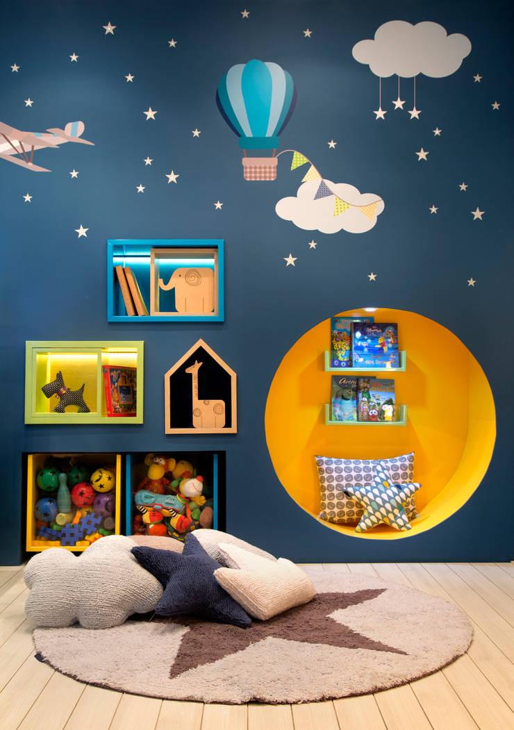 Canto da leitura: Centros de exposições  por Fina Stampa